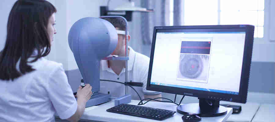 Цены на операцию витрэктомии глаза в Москве