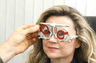 Снижение остроты зрения причины