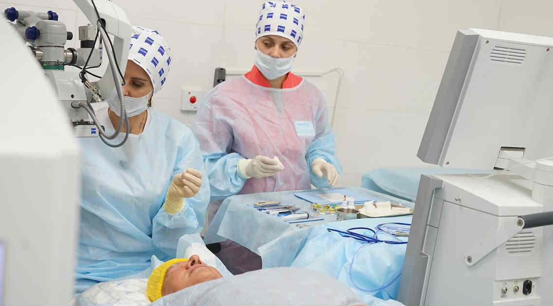 Эксплантация интраокулярной линзы