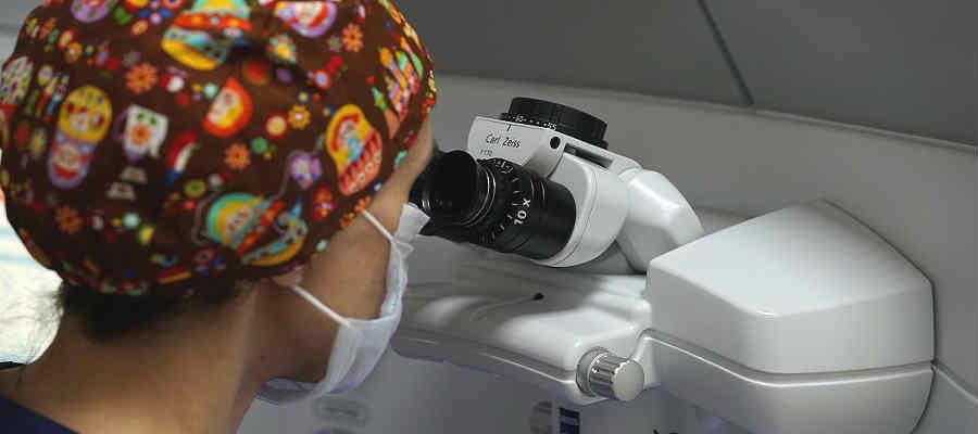 Цены на операцию при кератоконусе глаза в Москве