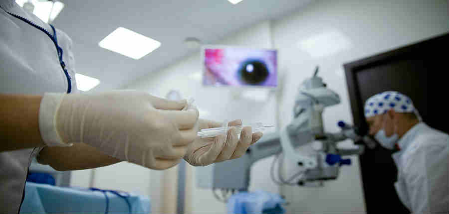 Цены на операцию покровной кератопластики роговицы в Москве